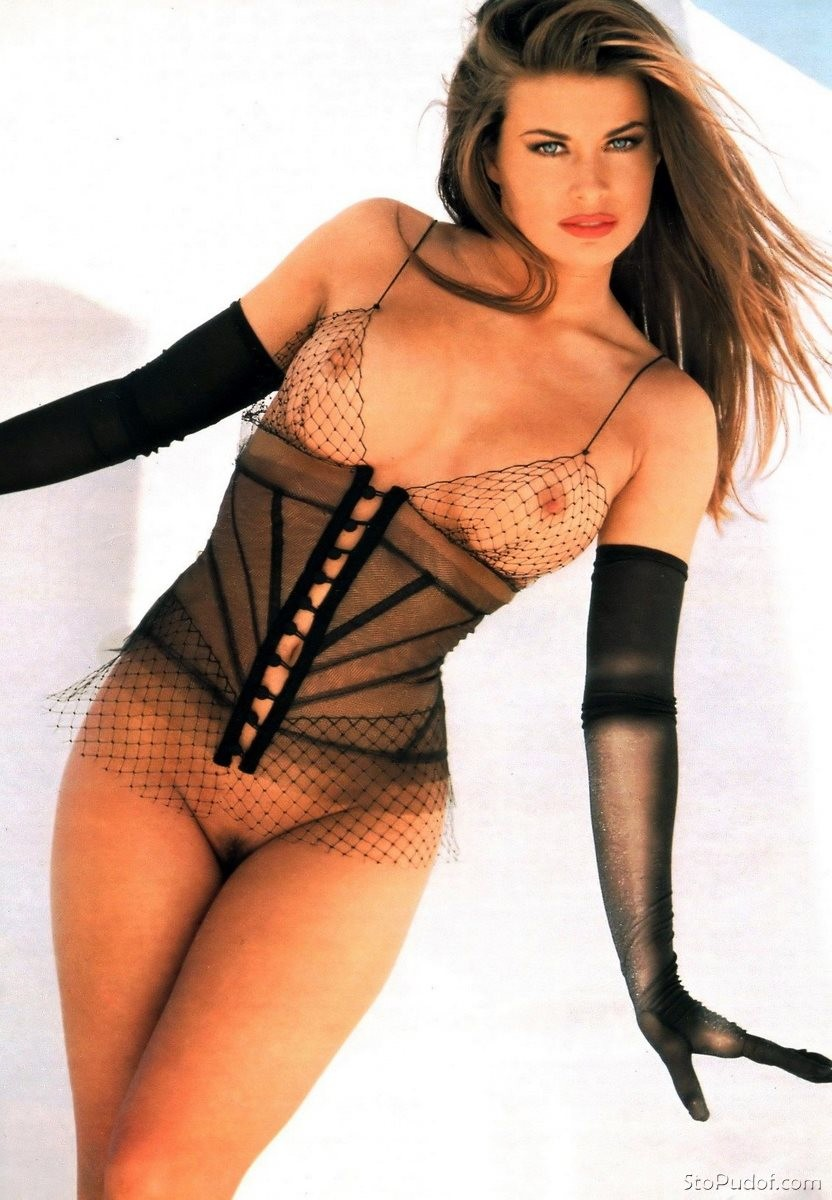 i want to see the Carmen Electra nude photos - UkPhotoSafari