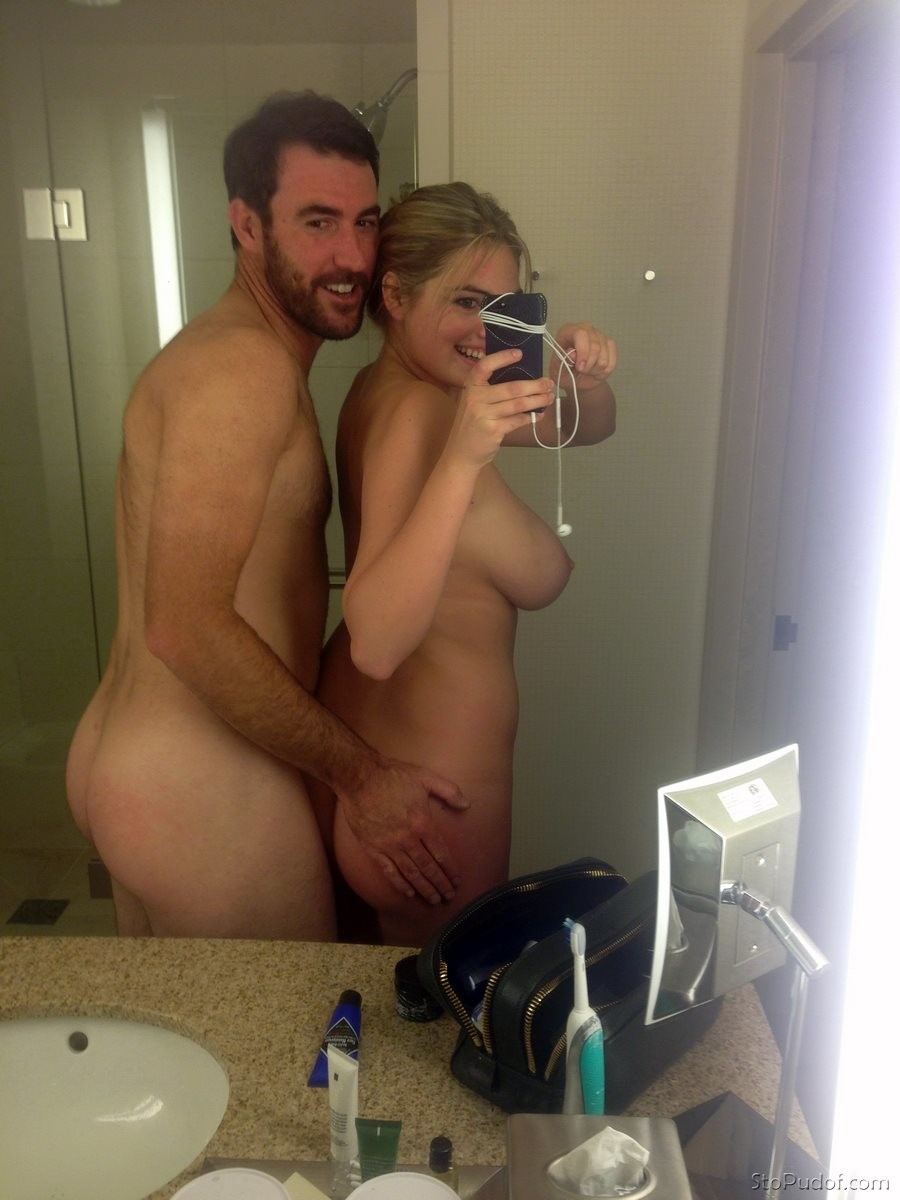 leaked naked photos of Kate Upton - UkPhotoSafari