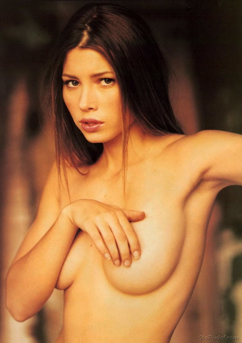 leaked naked pic of Jessica Biel - UkPhotoSafari