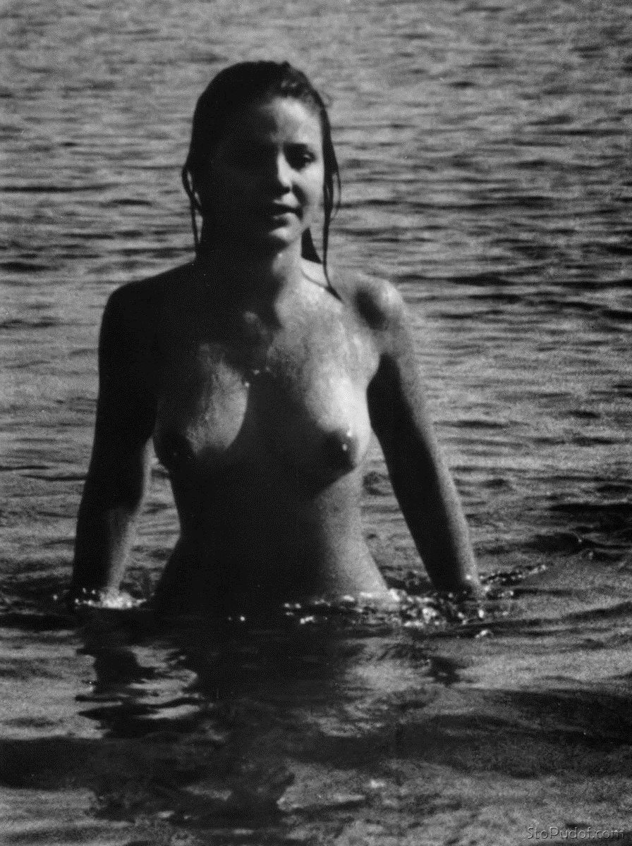 leaked naked pic of Ornella Muti - UkPhotoSafari