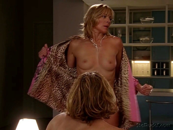 leaked nude Kim Cattrall pictures - UkPhotoSafari