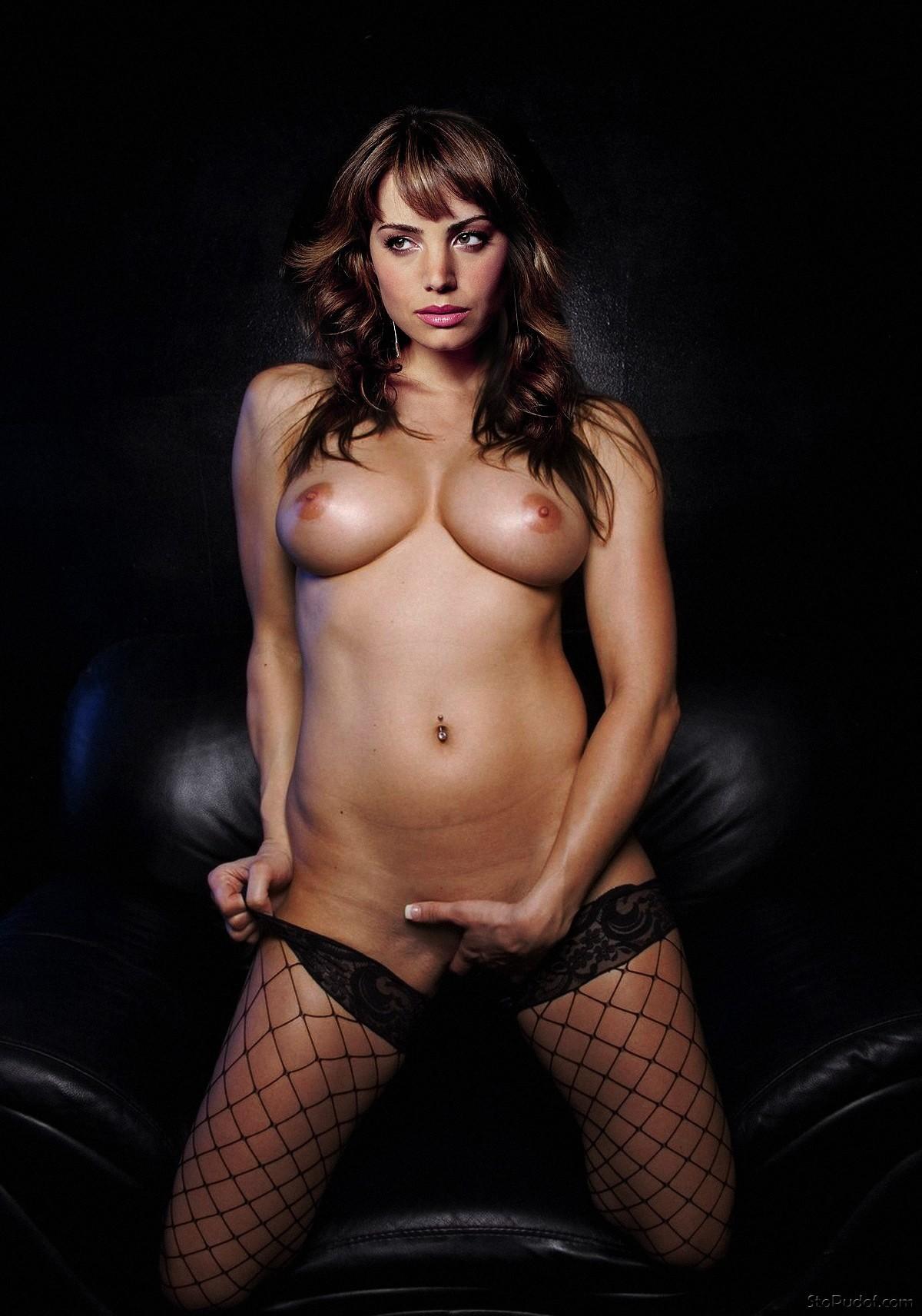 hot nude erica durance gifs