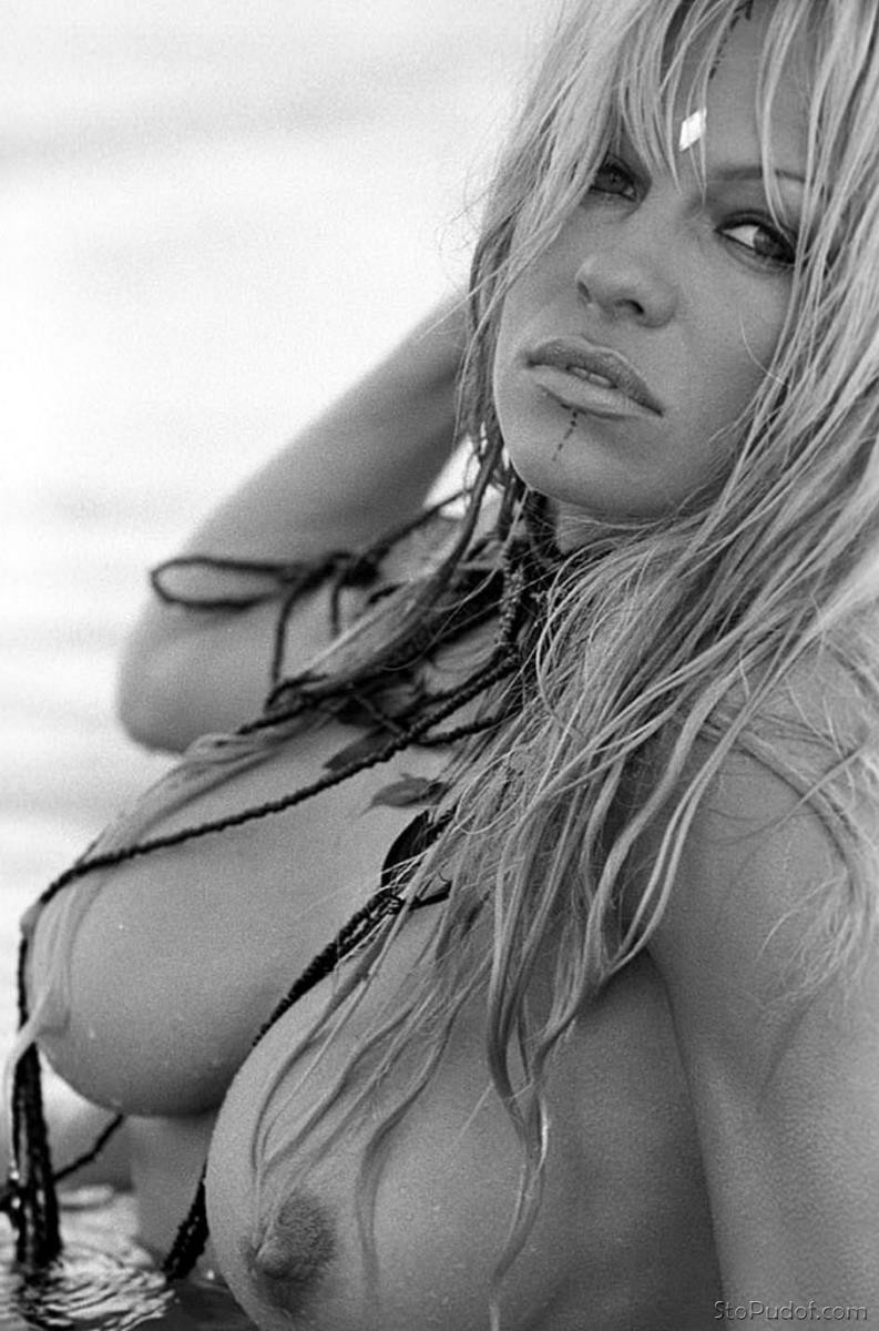 more nude Pamela Anderson photos - UkPhotoSafari