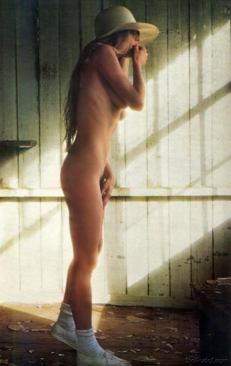more nude images of Kim Basinger - UkPhotoSafari