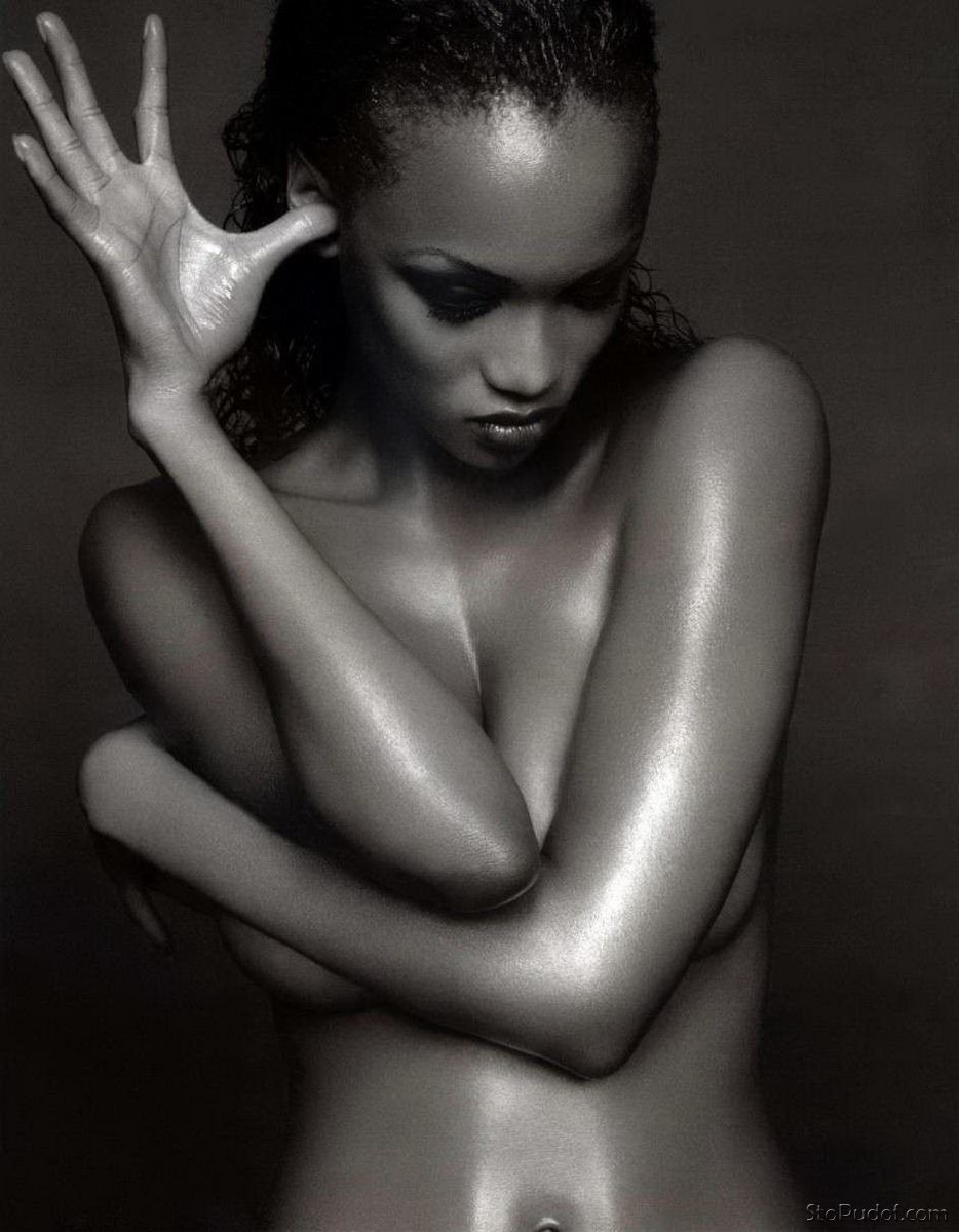 naked Tyra Banks leaked - UkPhotoSafari