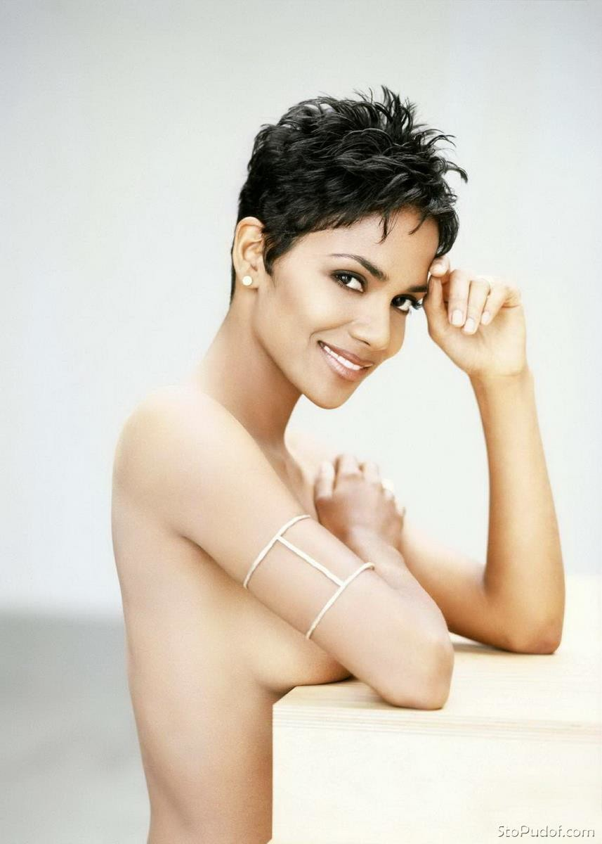 naked images of Halle Berry - UkPhotoSafari