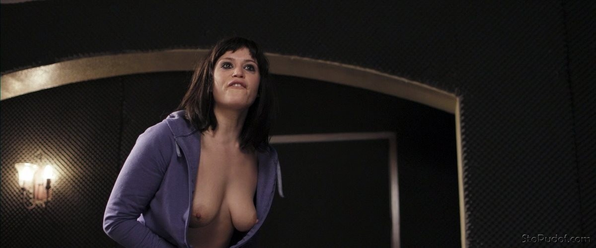 naked leaked photos of Gemma Arterton - UkPhotoSafari