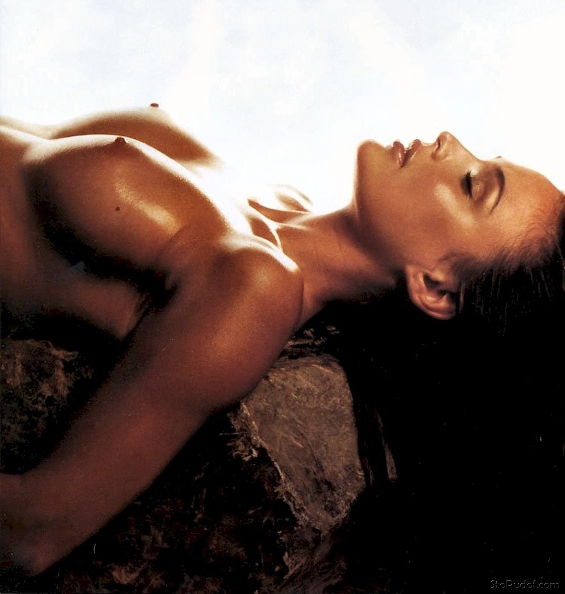 naked photo leak Josie Maran - UkPhotoSafari