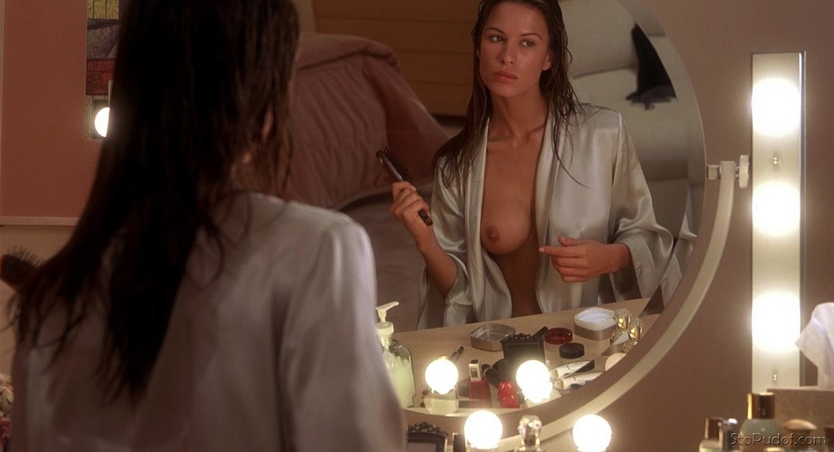 naked photos Rhona Mitra - UkPhotoSafari