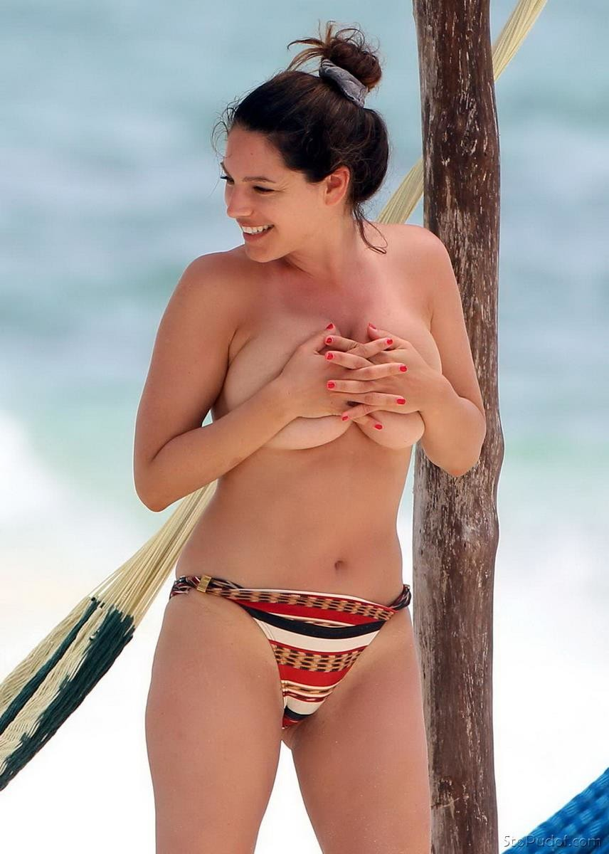 naked pic of Kelly Brook - UkPhotoSafari