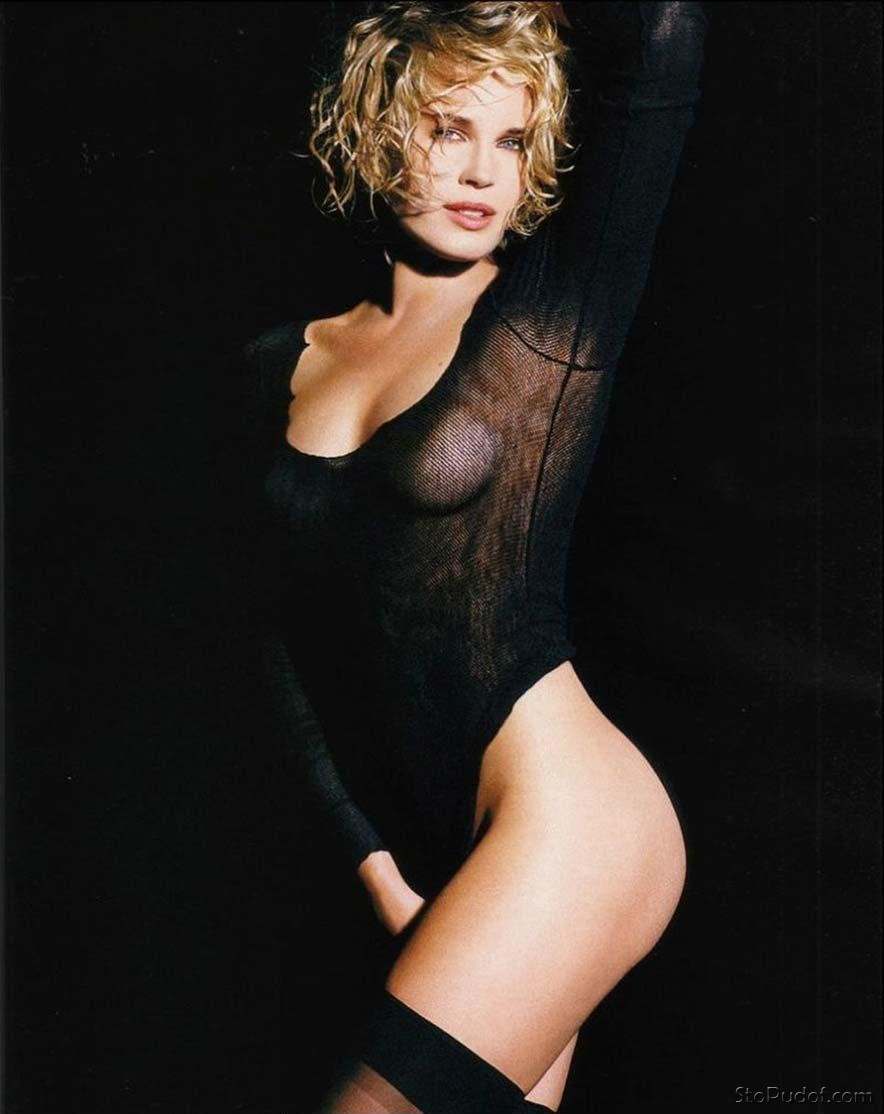 naked pictures of Rebecca Romijn - UkPhotoSafari