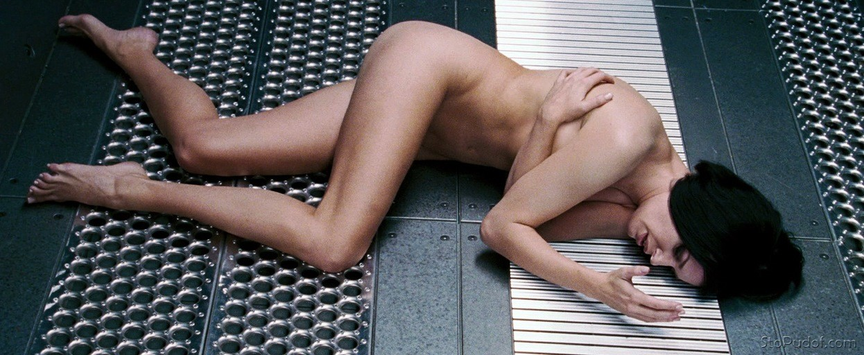 new nude photo of Rebecca Romijn - UkPhotoSafari