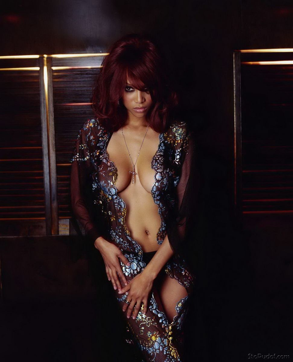 newest Tyra Banks nude photos - UkPhotoSafari