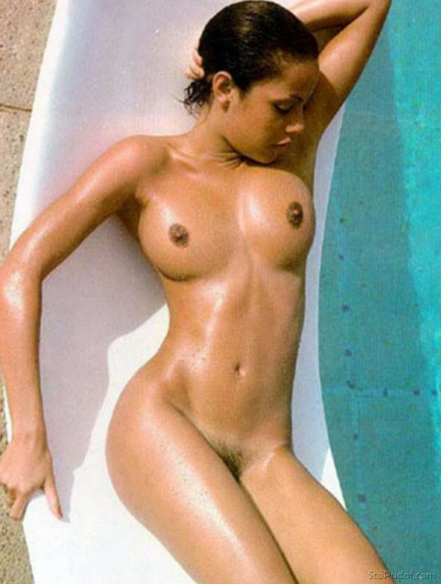nude jennifer lawrence Angelina Jolie photos - UkPhotoSafari