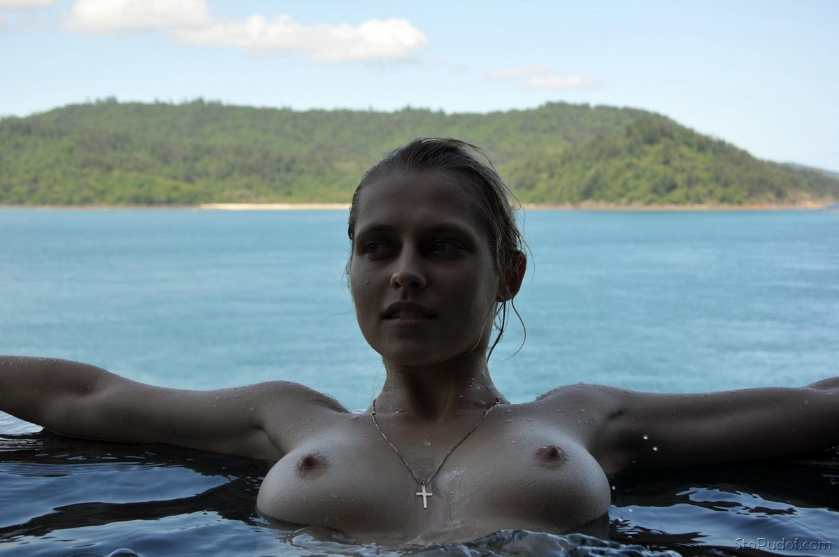 nude leaked photos of jennifer lawrence and Teresa Palmer - UkPhotoSafari