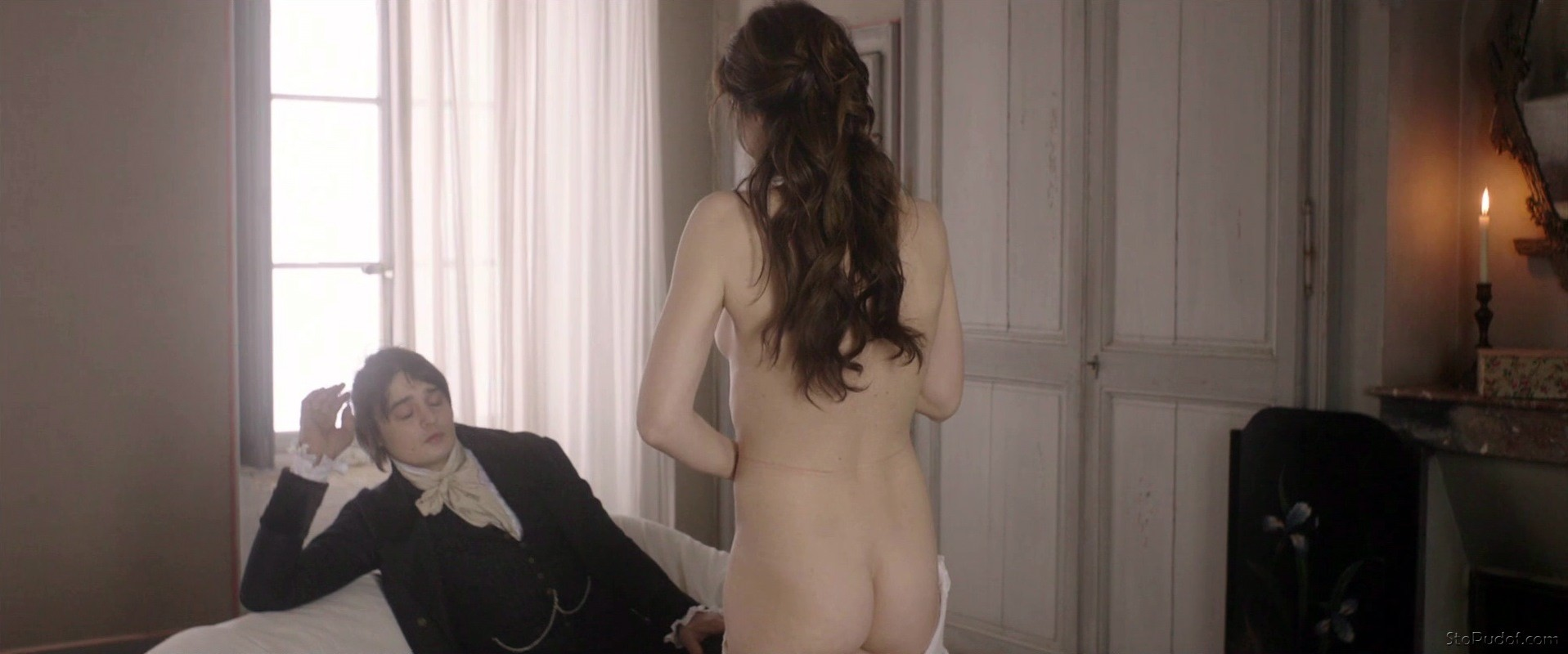 nude leaked pictures of Charlotte Gainsbourg - UkPhotoSafari