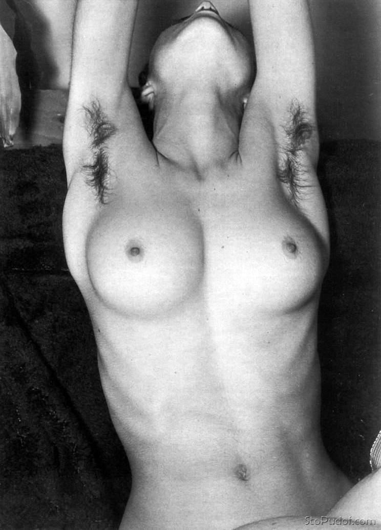 Wow Girls Madonna In Just Chillin Naked