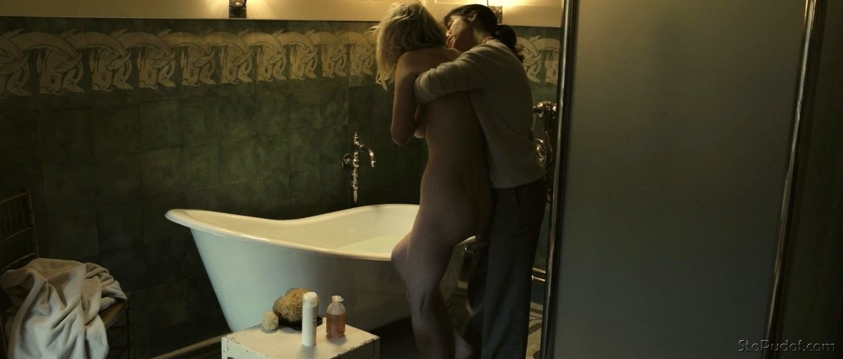 nude photos of Kirsten Dunst photos - UkPhotoSafari