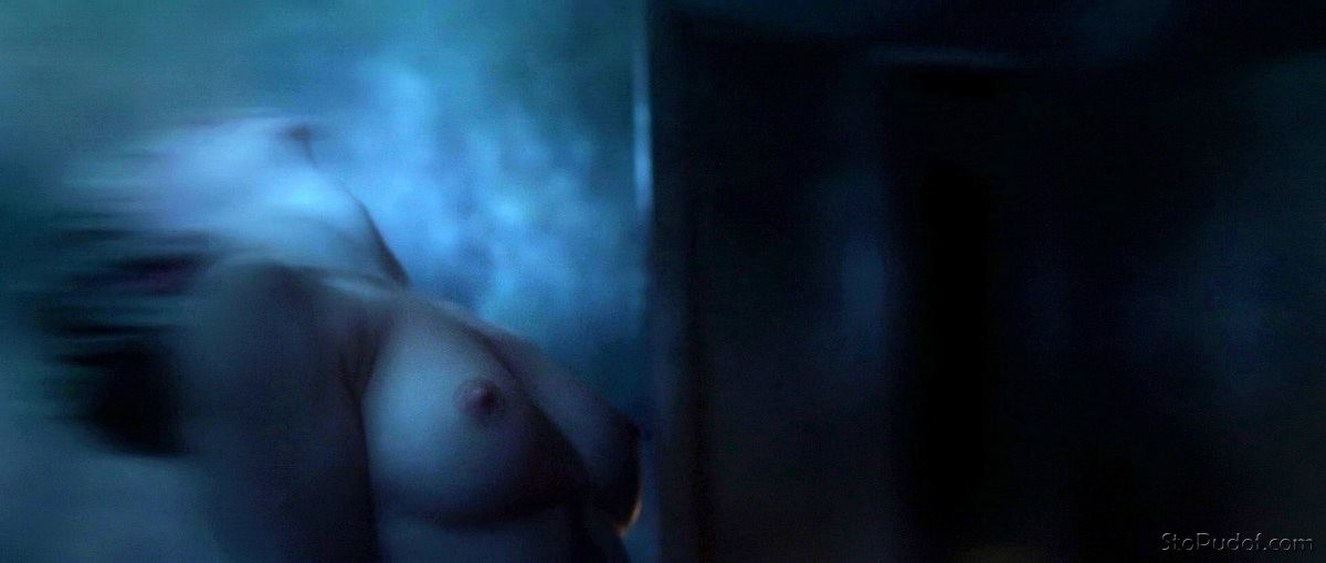 nude pictures for Katie Cassidy - UkPhotoSafari