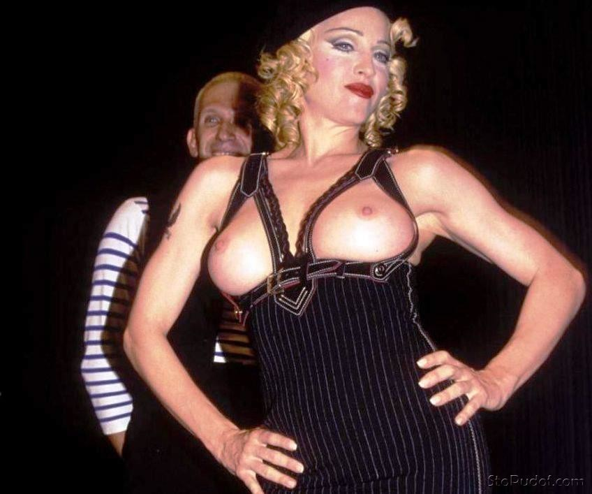 nude pictures hacked Madonna - UkPhotoSafari