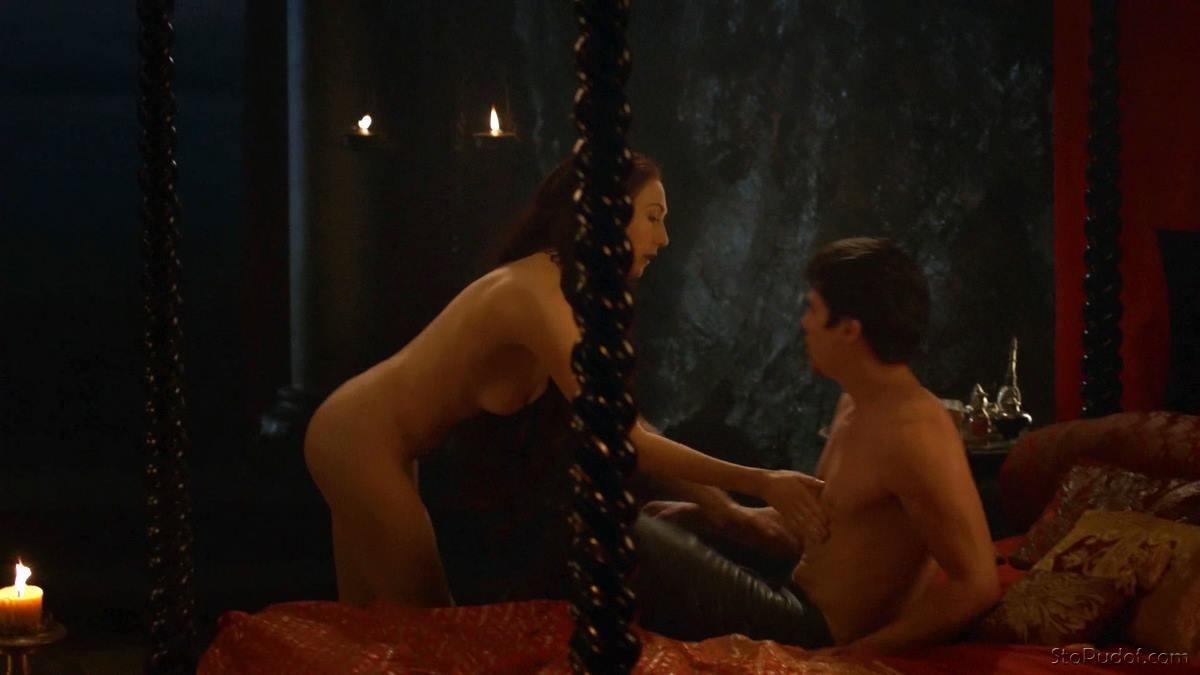 кэрис ван хаутен эротические сцены приподнялась