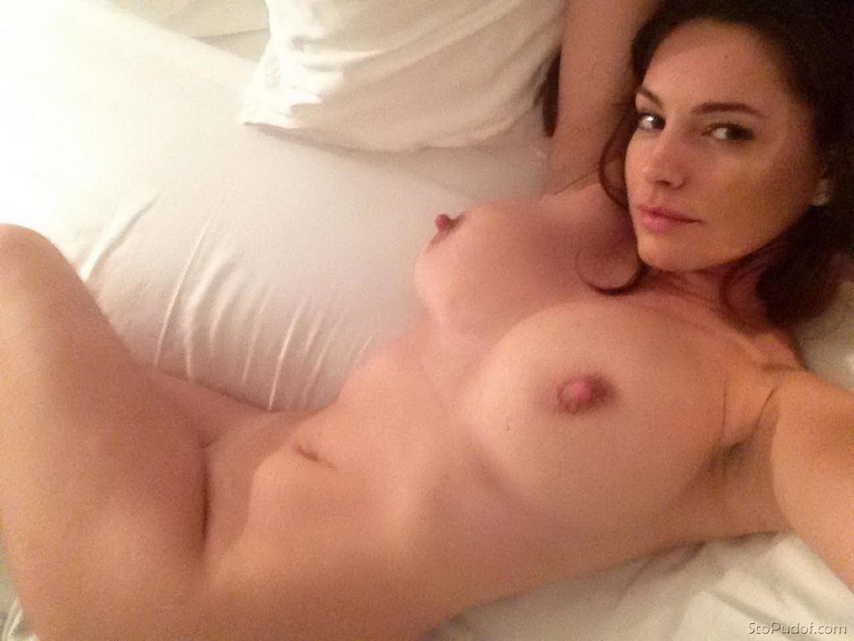 nudes of Kelly Brook pics - UkPhotoSafari