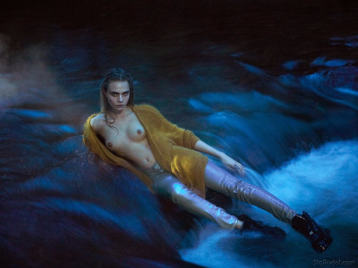 nudes photos of Cara Delevingne - UkPhotoSafari