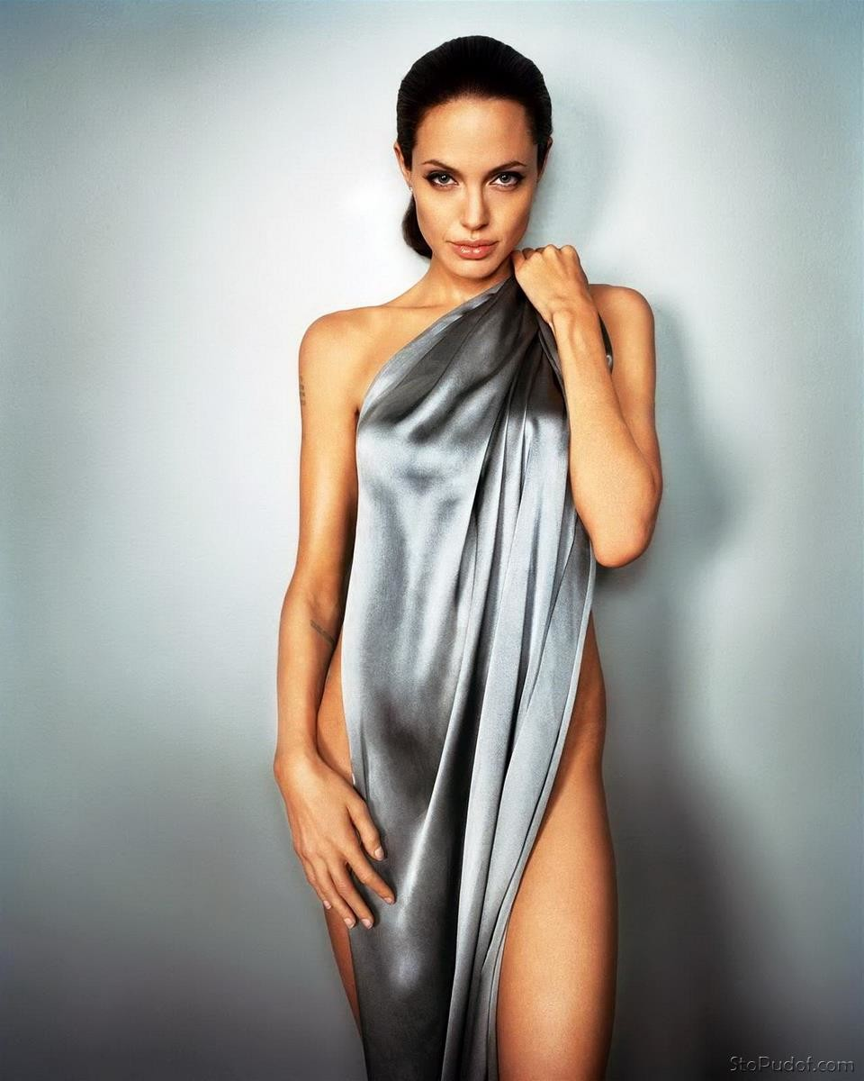 Free Angelina Jolie Nude Pictures 68