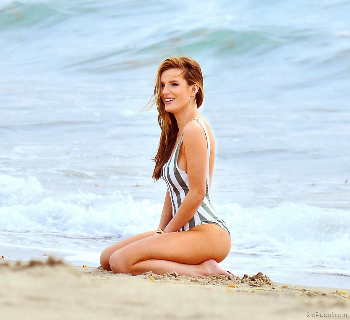 pictures of Bella Thorne nudes - UkPhotoSafari