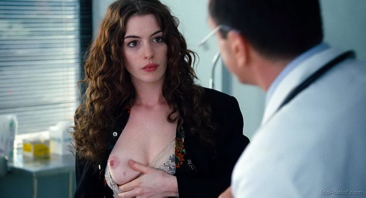 pictures of nude Anne Hathaway - UkPhotoSafari