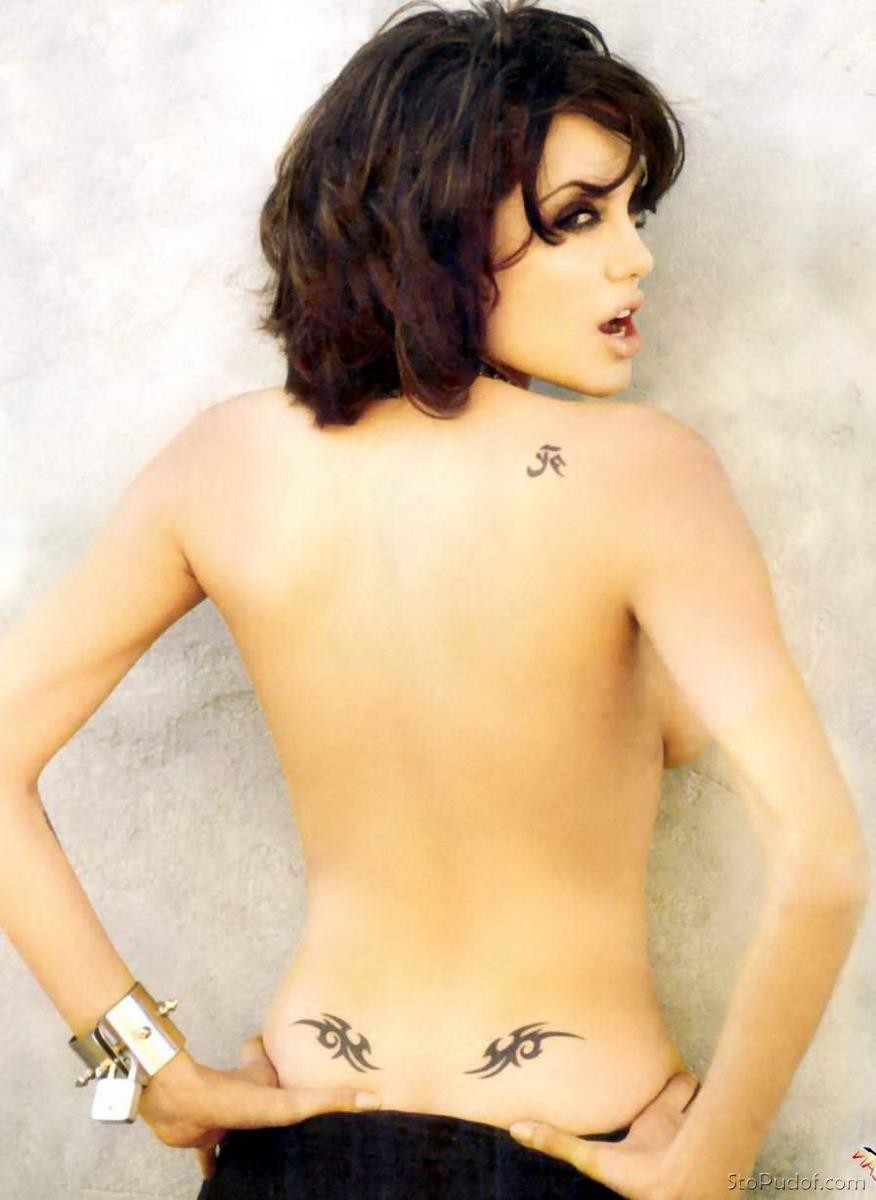 posted Angelina Jolie nude photos - UkPhotoSafari