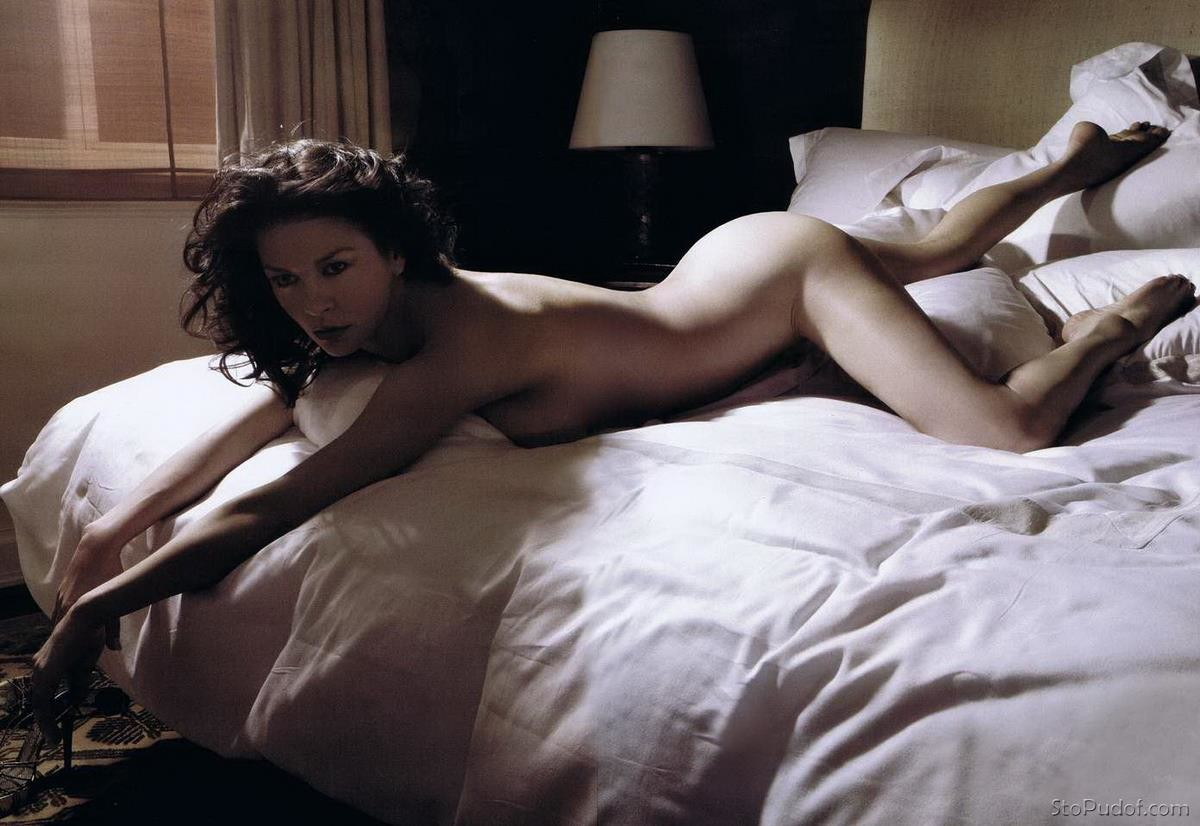 real Catherine Zeta Jones nude pictures - UkPhotoSafari