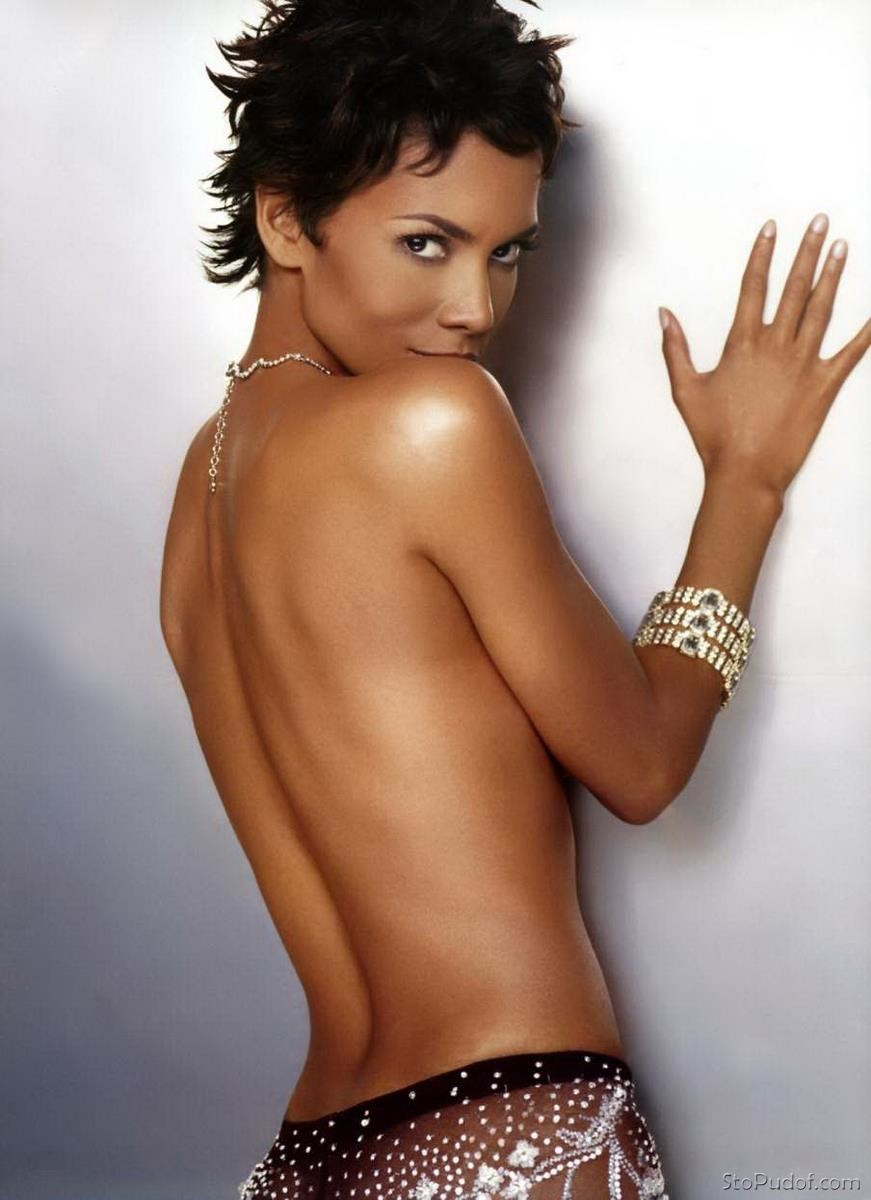 see naked photos Halle Berry - UkPhotoSafari