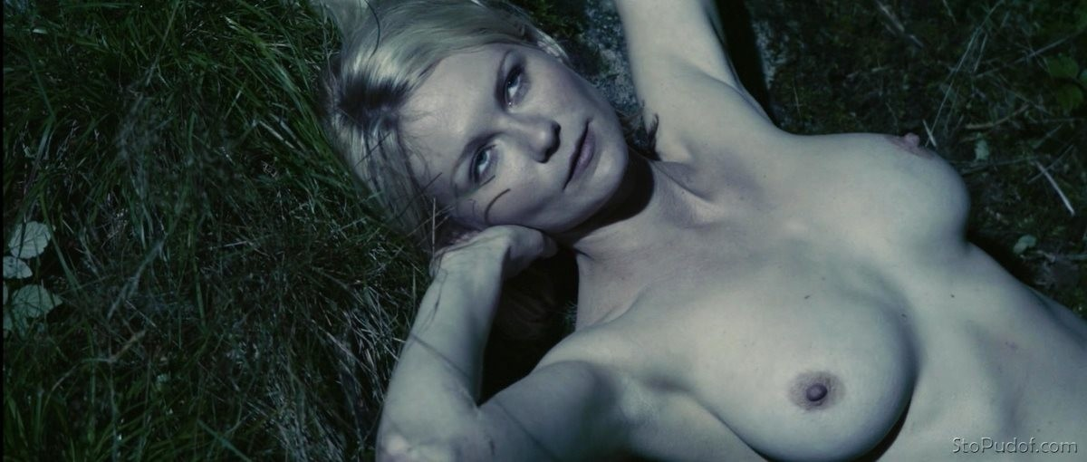 see naked photos Kirsten Dunst - UkPhotoSafari
