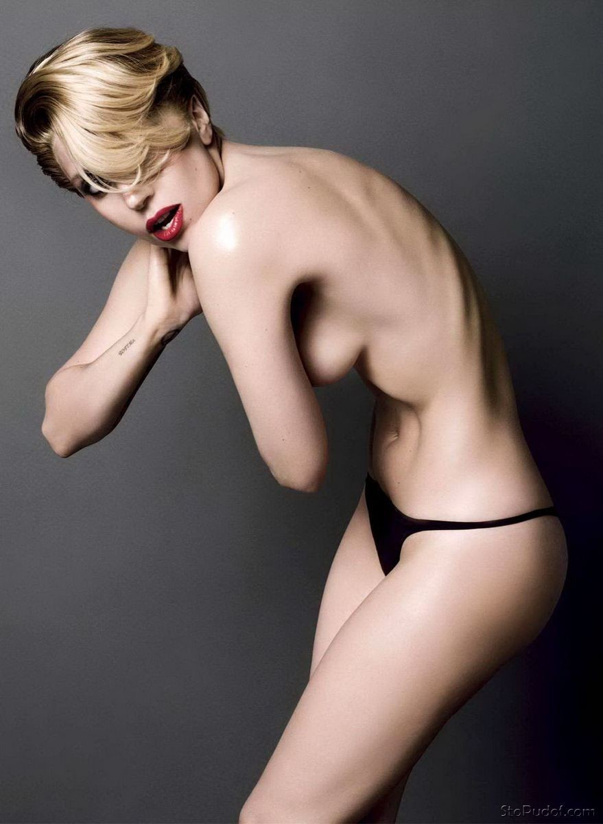 see naked pics of Lady Gaga - UkPhotoSafari
