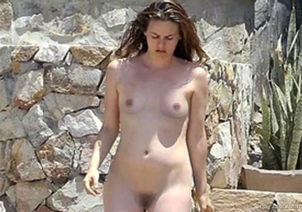 see nude Alicia Silverstone pictures - UkPhotoSafari