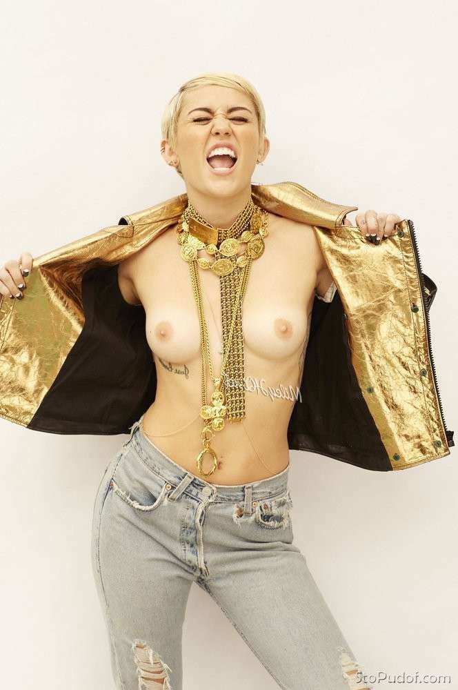 see nude photos Miley Cyrus - UkPhotoSafari