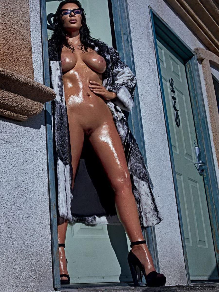 kim kardashian s nude pics