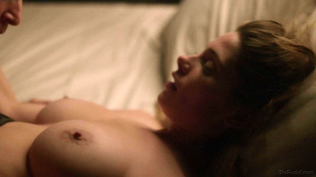 see pictures of Ashley Greene nude - UkPhotoSafari