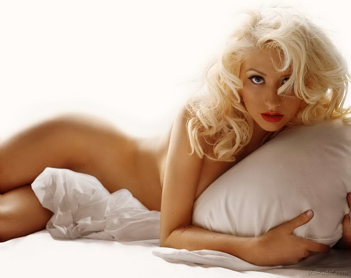 see the naked pictures of Christina Aguilera - UkPhotoSafari
