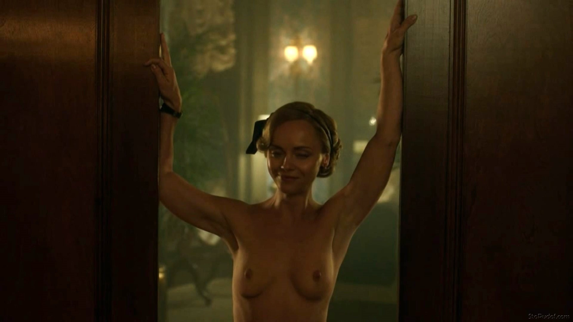 the photos of Christina Ricci nude - UkPhotoSafari