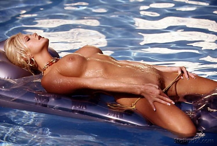 the pictures of Jaime Pressly nude - UkPhotoSafari