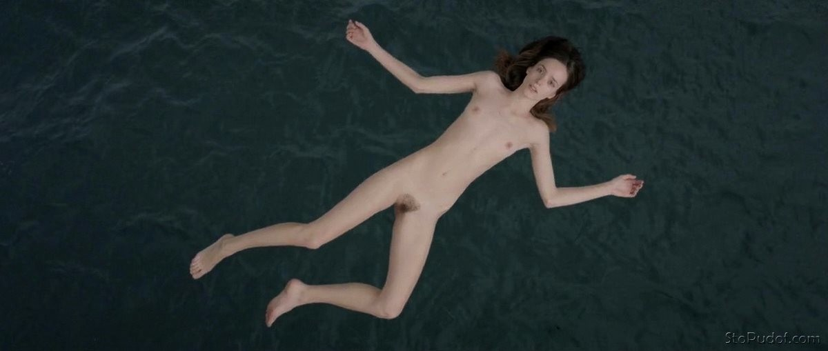 the pictures of Stacy Martin nude - UkPhotoSafari