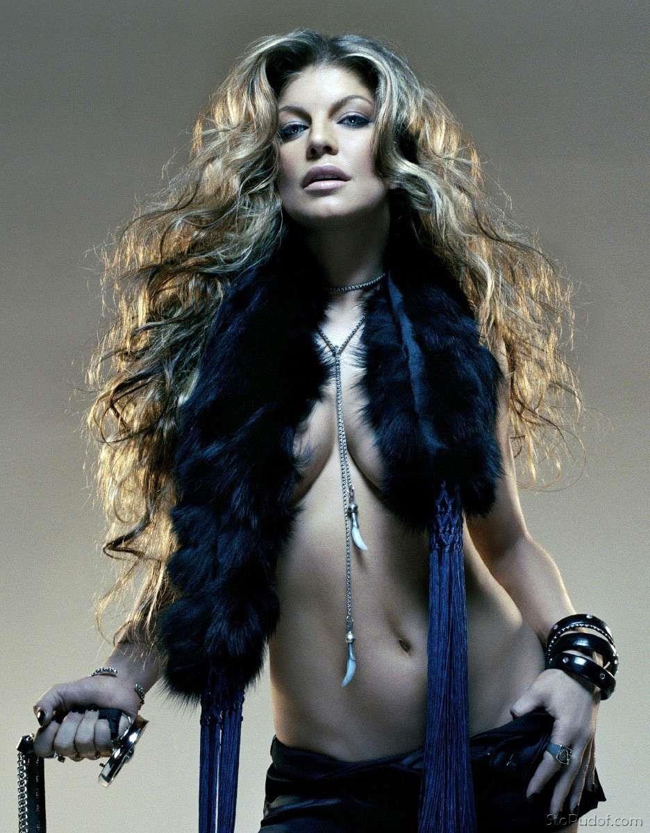 Fergie Nude Gifs