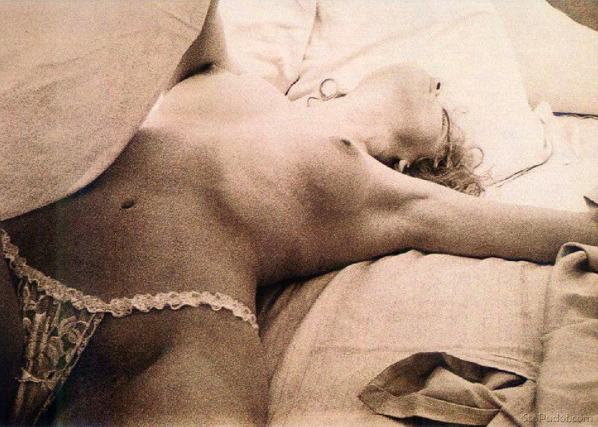 view naked Sharon Stone pictures - UkPhotoSafari