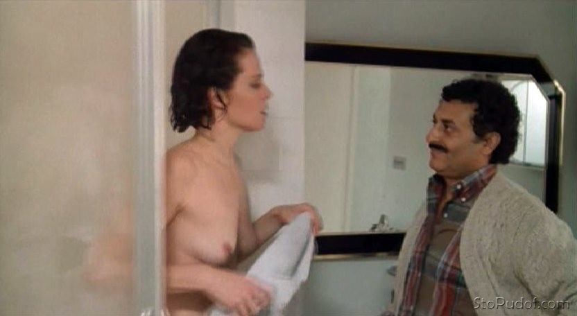 view pictures of Sigourney Weaver nude - UkPhotoSafari